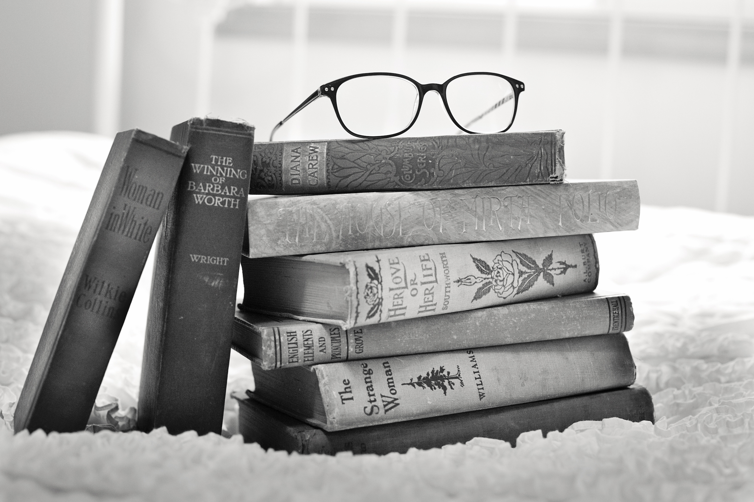 10 Must-Read Customer Service Books for Anyone Who Does Support