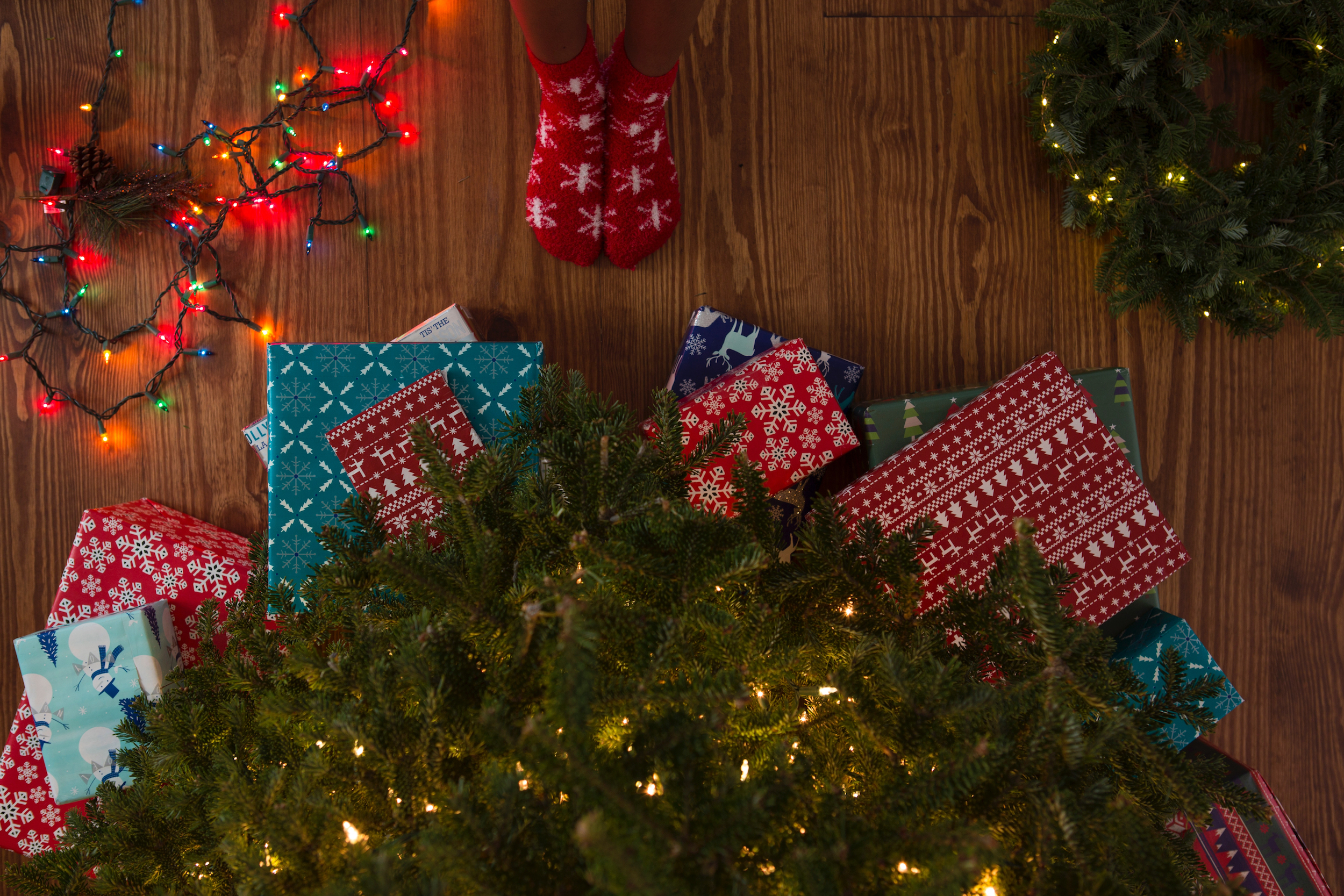 11 Customer Holiday Gift Ideas That Don't Suck